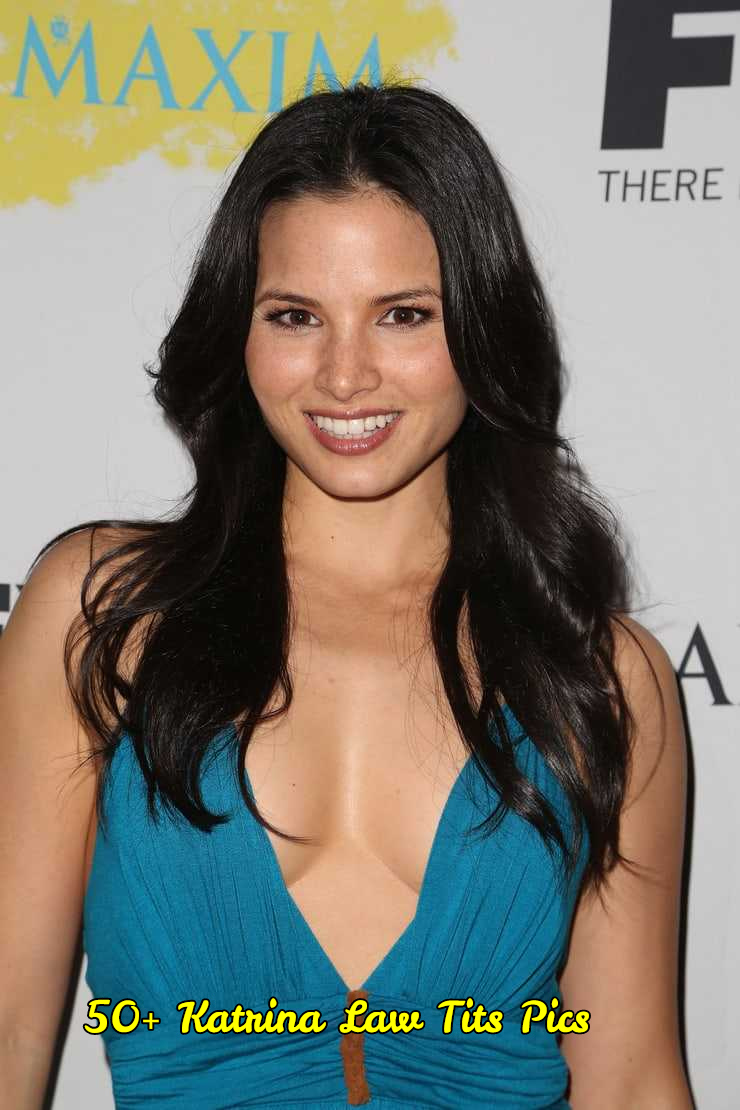 Katrina Law sexy cleavage (1)