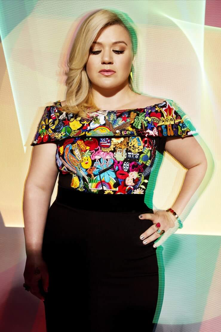 Kelly Clarkson dress