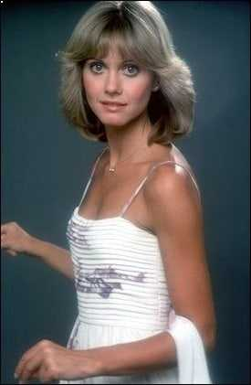 Olivia Newton-John big boobs (1)
