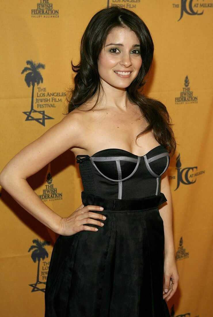 Shiri Appleby hot (2)