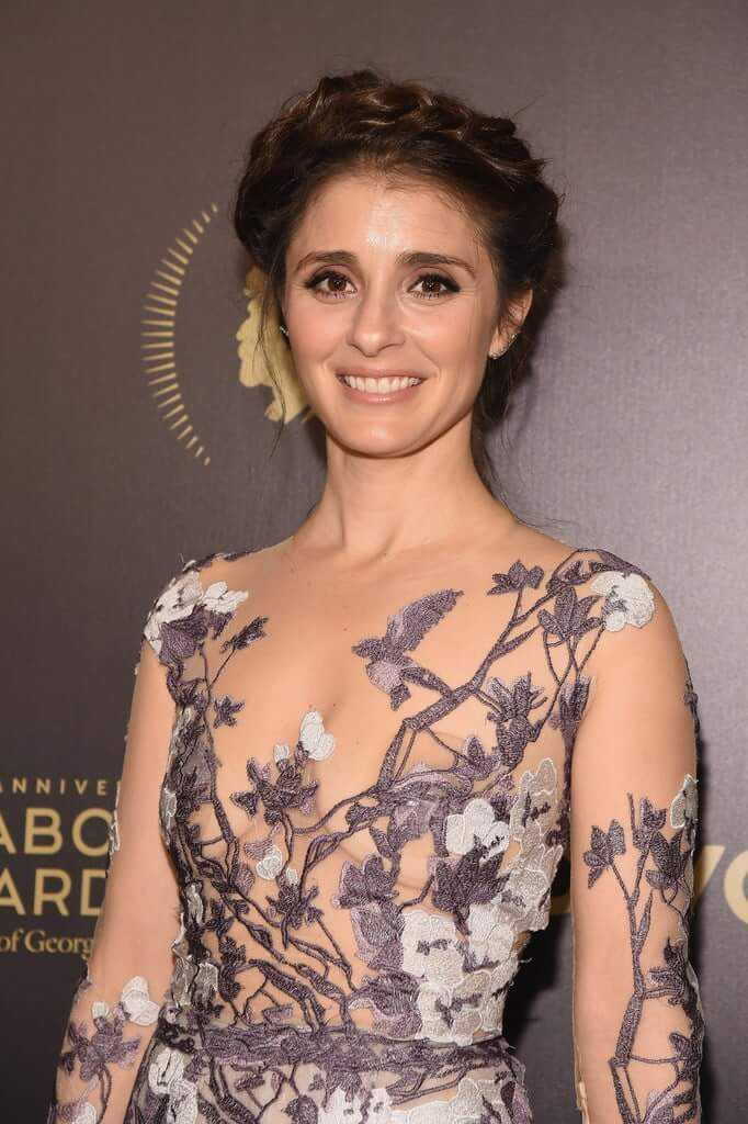 Shiri Appleby hot look (1)