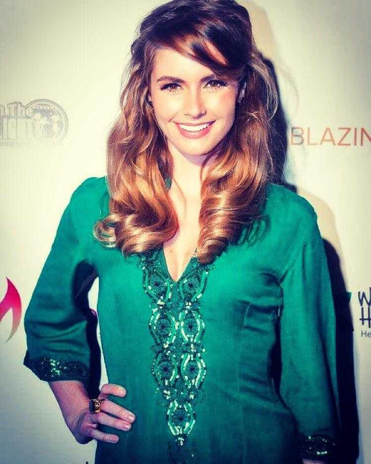 brianna-brown-green-dress