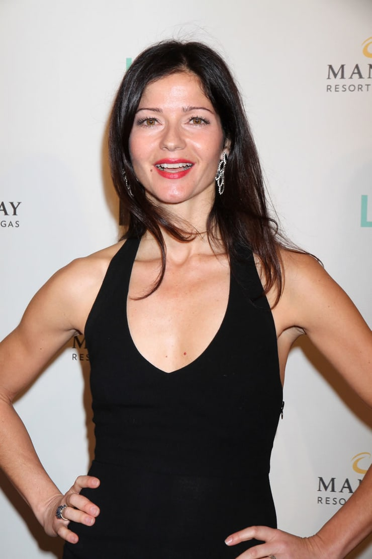 jill hennessy sexy cleavage