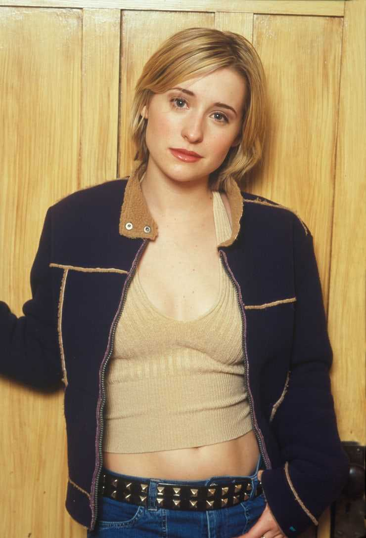 Allison Mack Tits 49 hottest allison mack big boobs pictures are a charm for