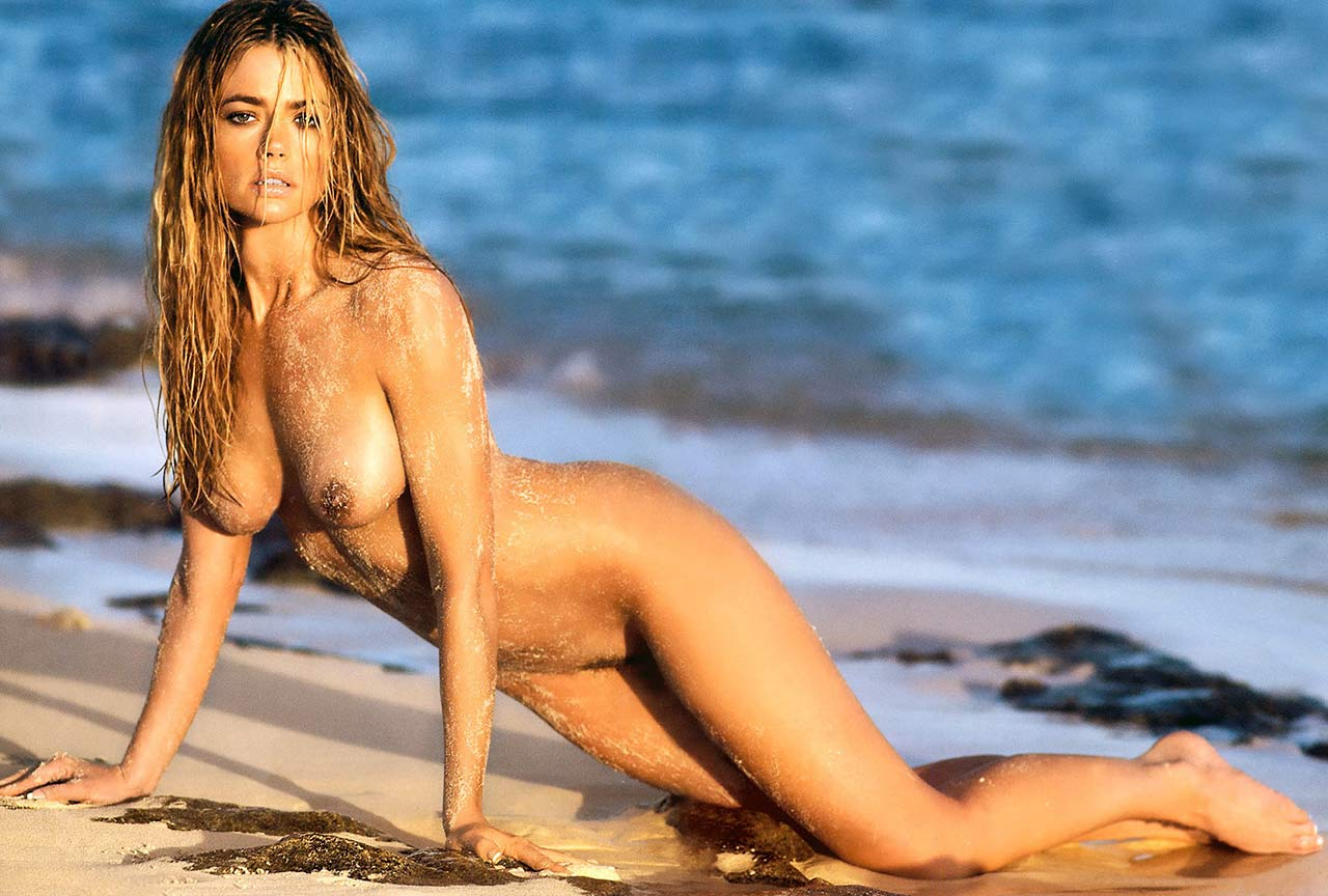 Denise richards showing her pussy and tits and fucking hard