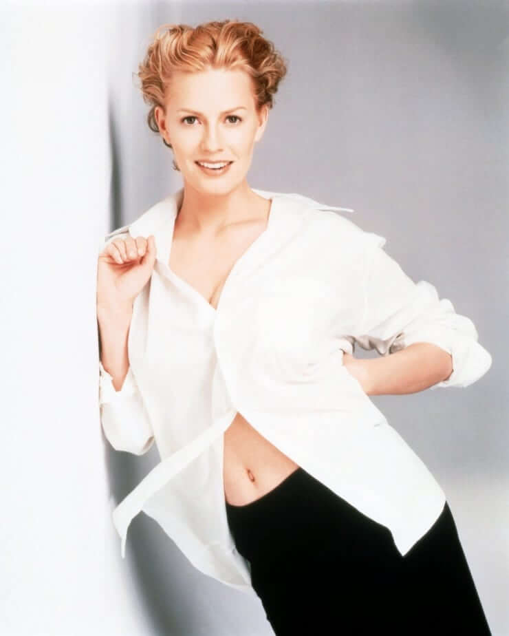 49 Nude Pictures Of Elisabeth Shue Which Will Get All Of