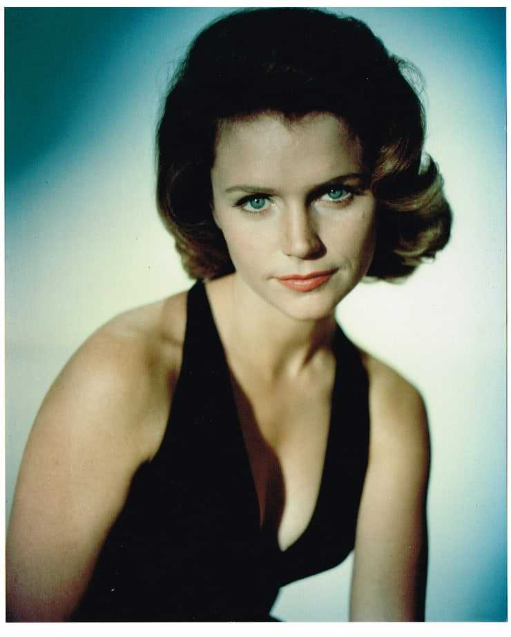 Lee Remick nipples