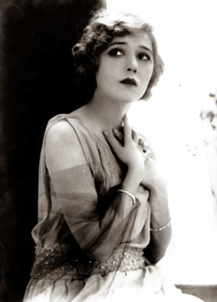 Mary Pickford nipples