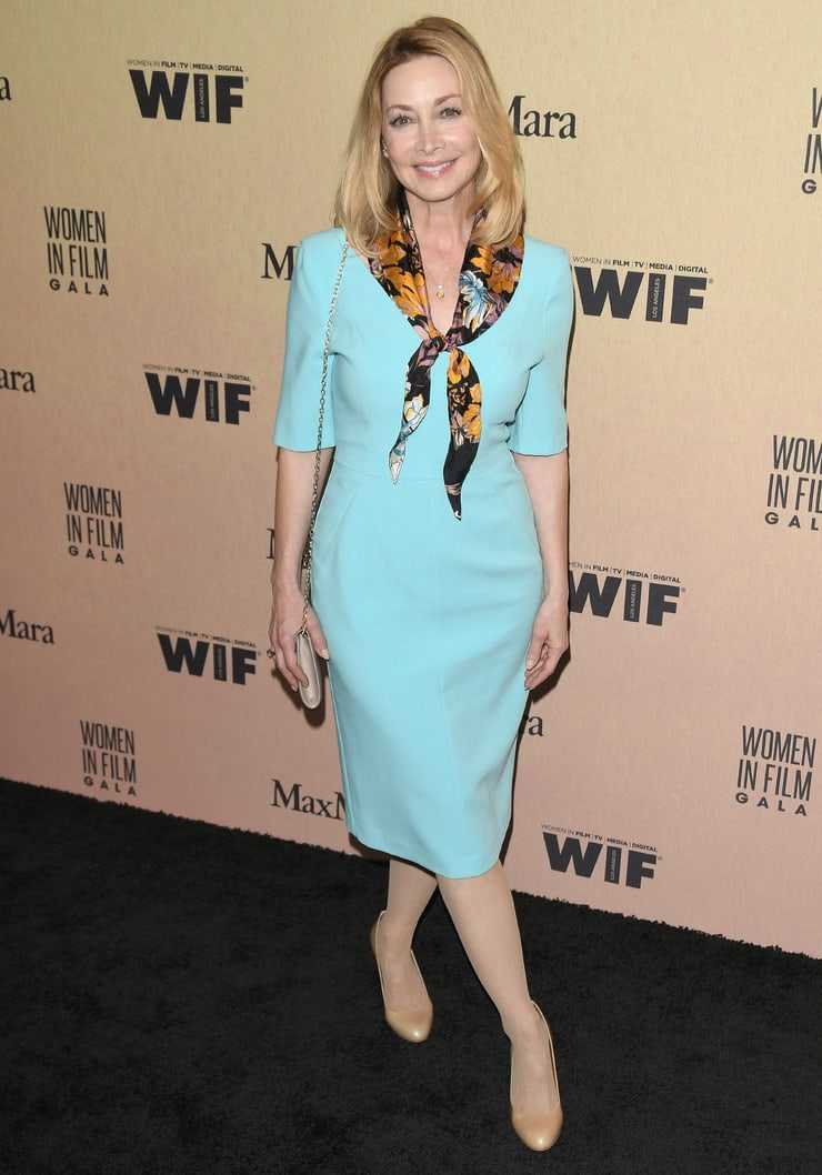 47 Nude Pictures Of Sharon Lawrence Are Going To Perk You