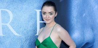 35 Sexy Gif Of Maisie Williams Exhibit Her As A Skilled Performer