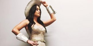 52 Sexy Gif Of Kacey Musgraves Which Will Leave You To Awe In Astonishment