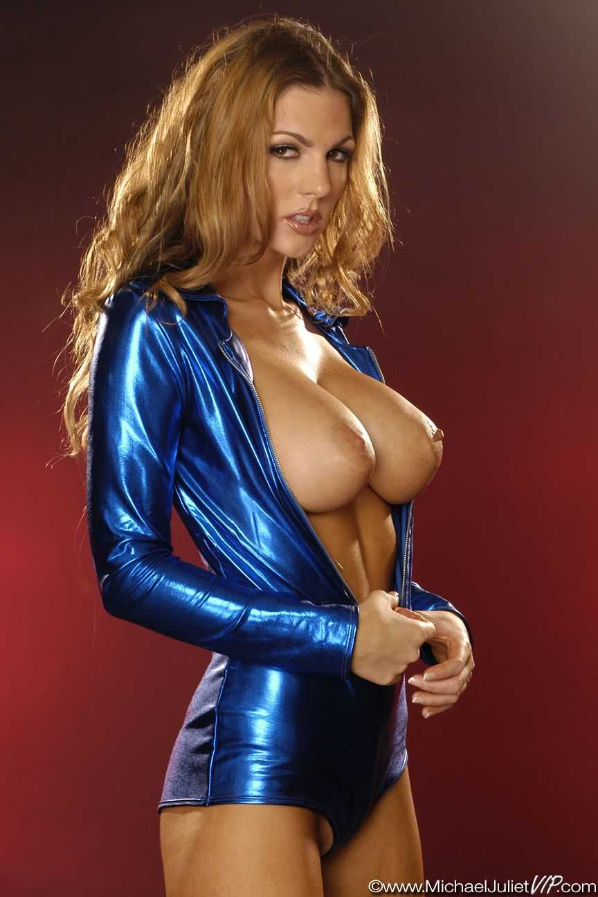 Invisible Woman nipples