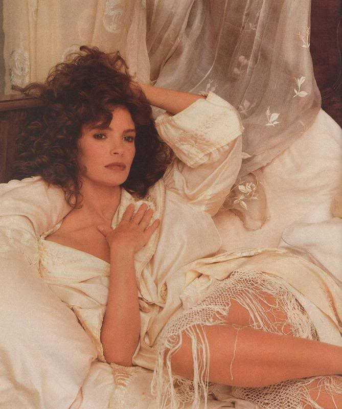 49 Jaclyn Smith Nude Pictures Brings Together Style, Sassiness And Sexiness