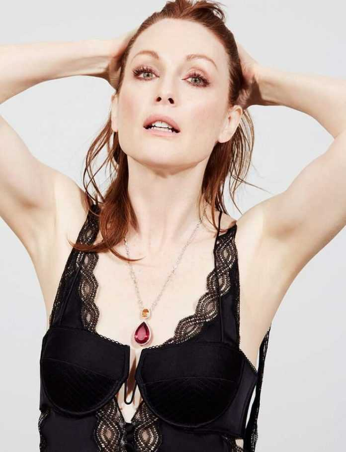 49 Nude Pictures Of Julianne Moore That Will Fill Your