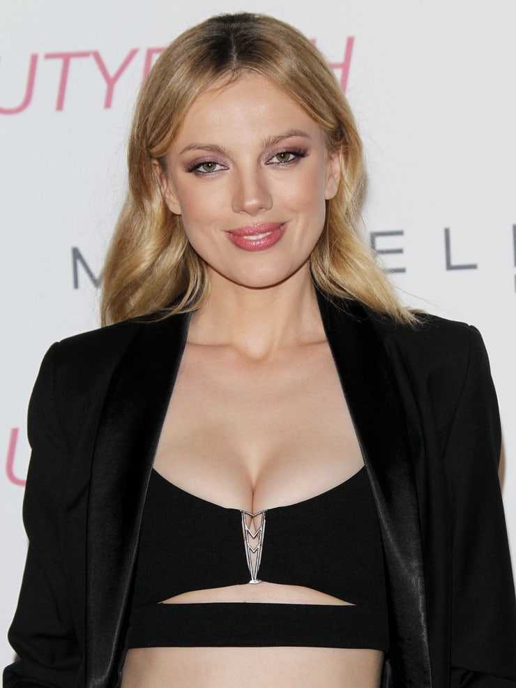 bar paly hot pictures