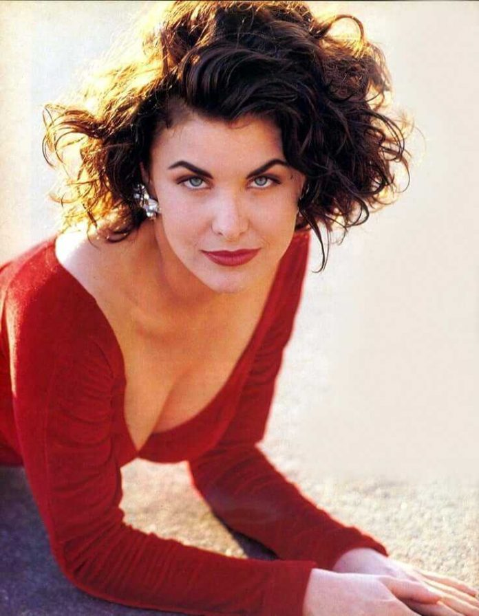 44 Sherilyn Fenn Nude Pictures Will Put You In A Good Mood