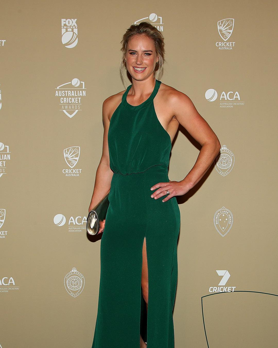ellyse perry sexy smile