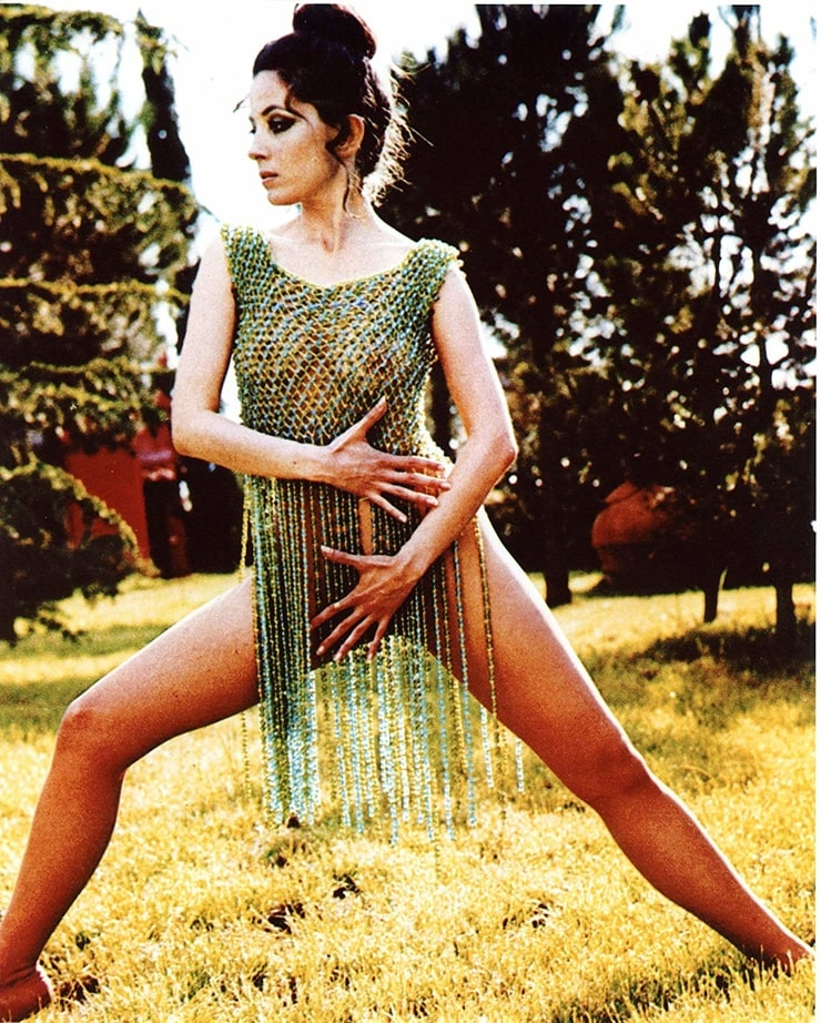 Barbara Parkins sexy pictures
