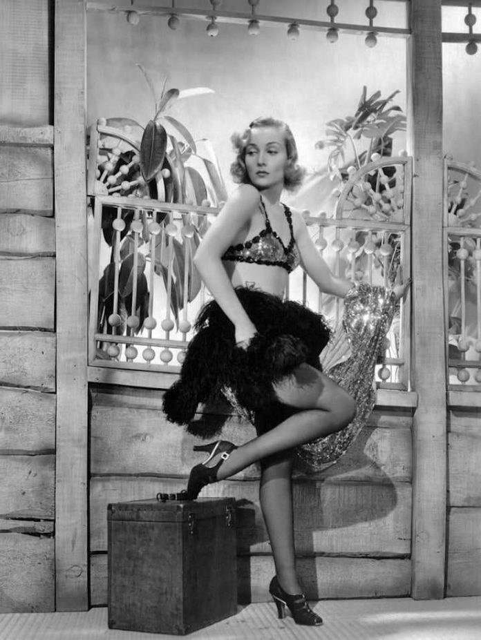 Carole Lombard sexy legs pictures