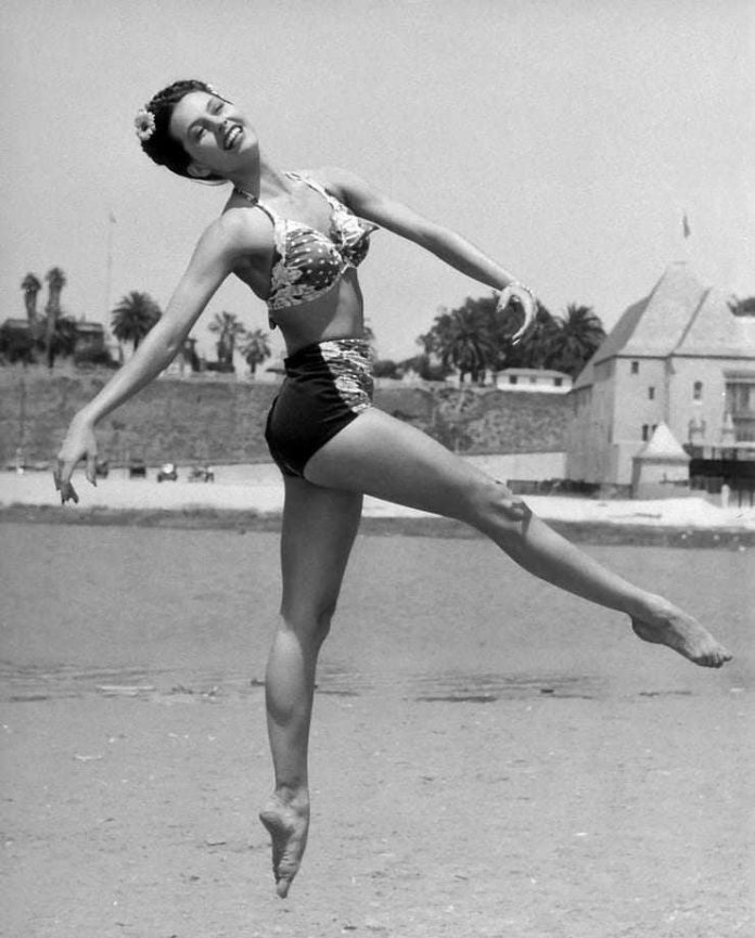 Cyd Charisse side butt pics