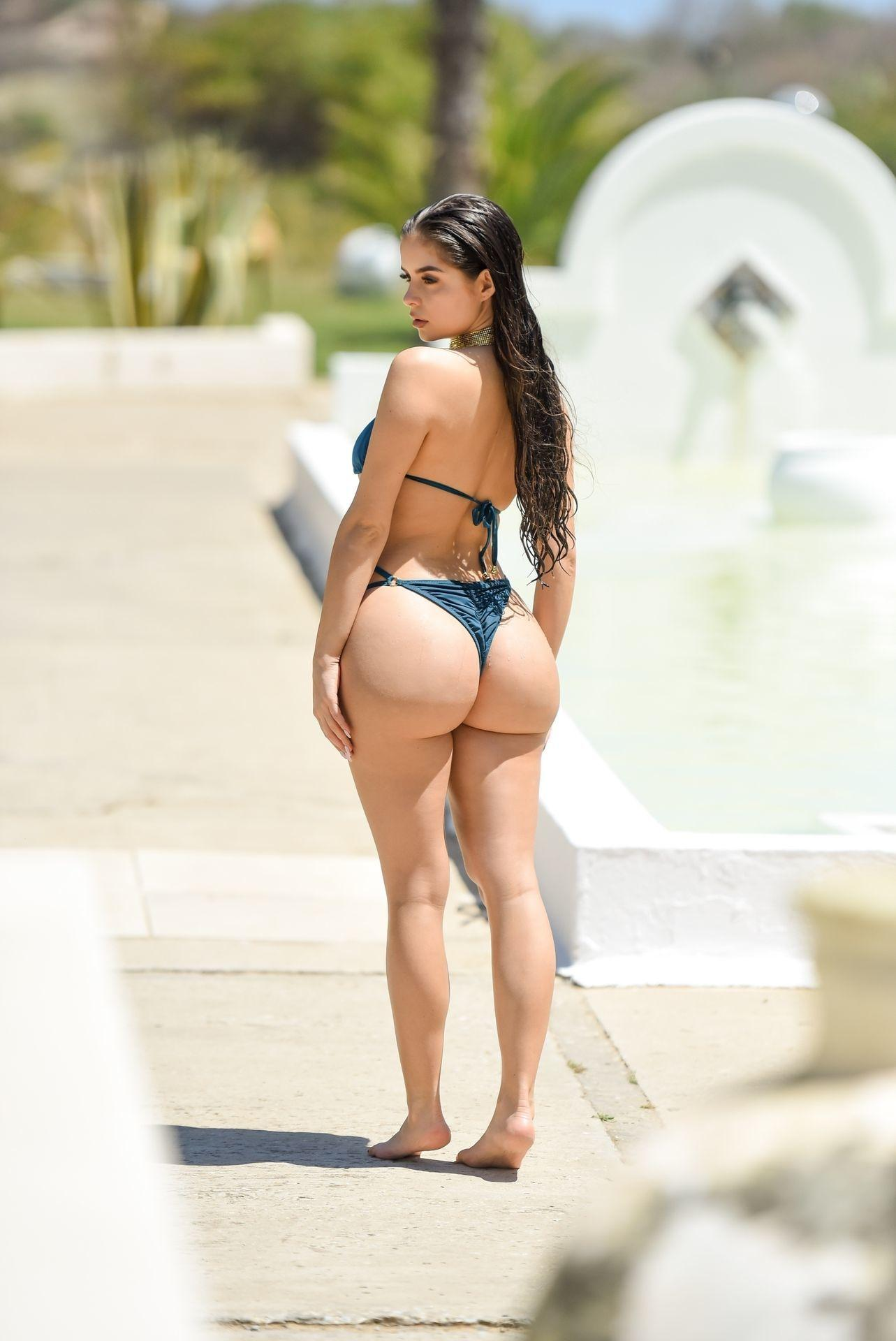 Demi Rose Mawby sexy butt pictures