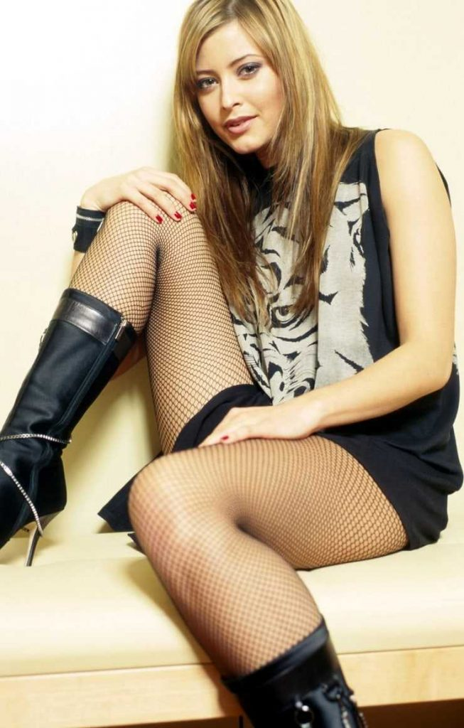 Holly Valance thigh pictures