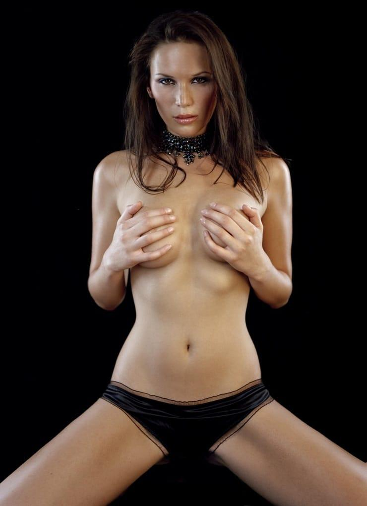 Lucy Clarkson topless pics