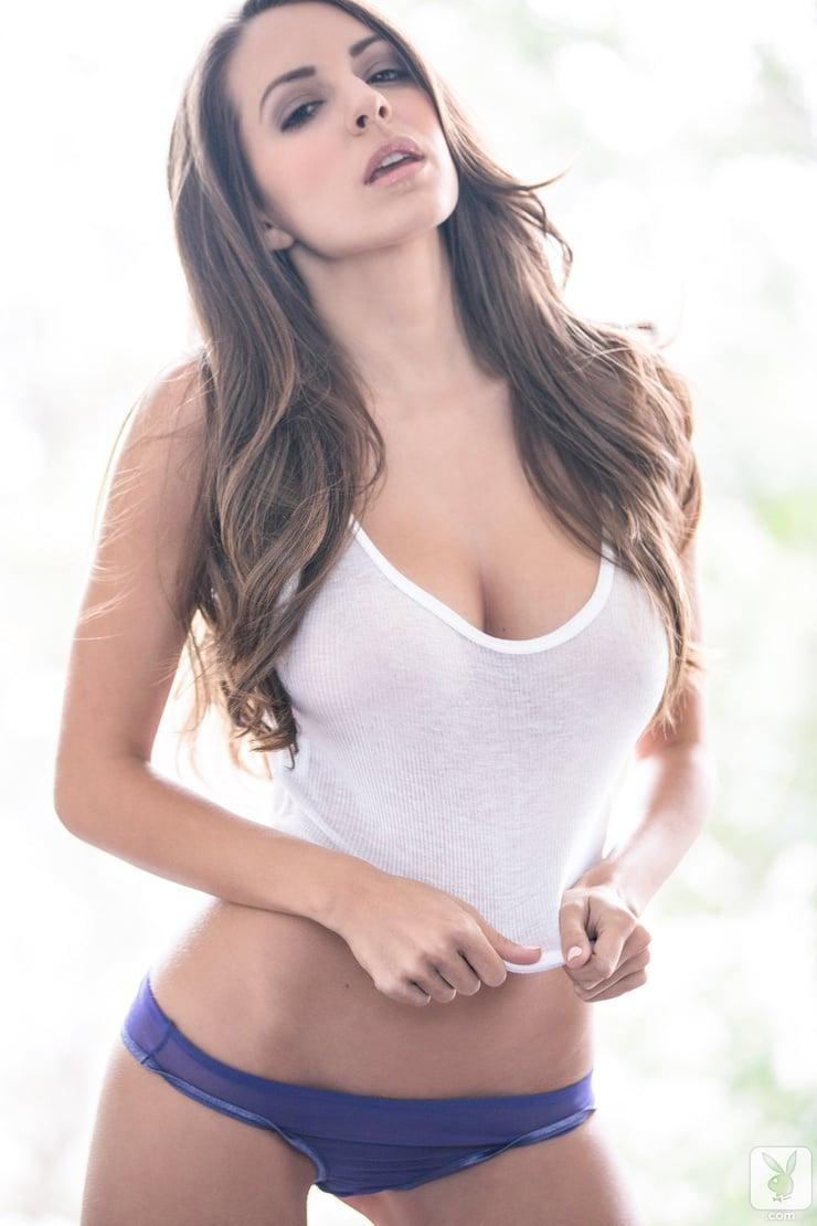 Shelby Chesnes sexy look