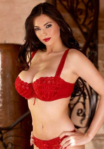 Tera Patrick hot look
