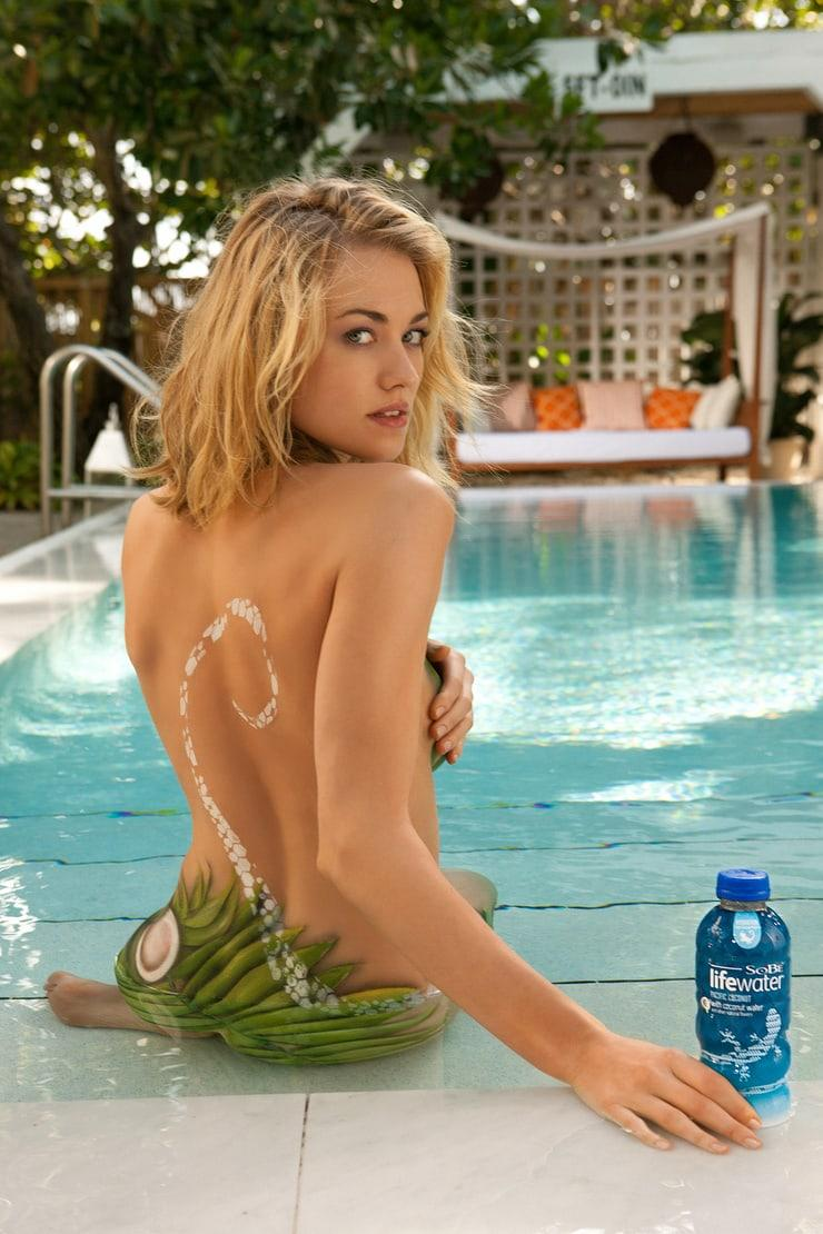 Yvonne Strahovski hot ass pictures
