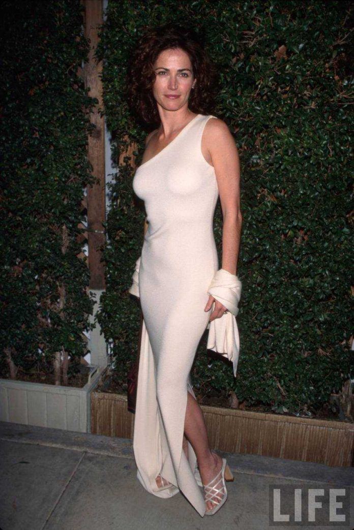 Kim Delaney ass pics