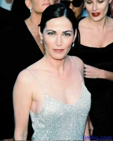 Kim Delaney boobs pics
