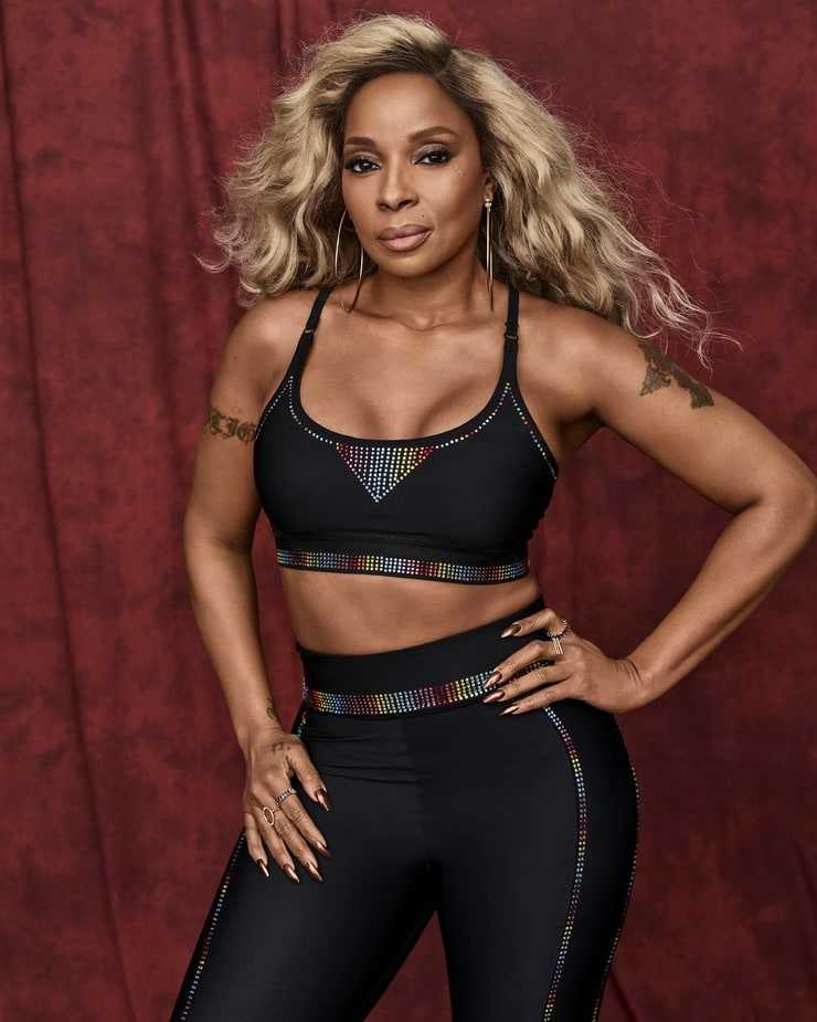 mary j. blige looking hot