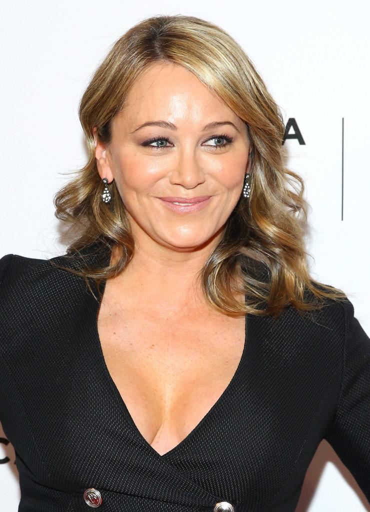 christine-taylor sexy cleavage