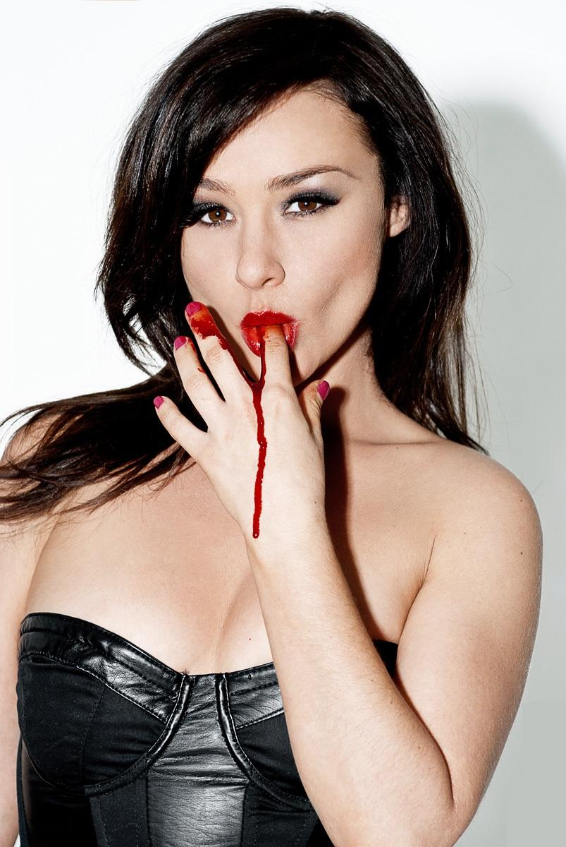 danielle harris sexy pictures