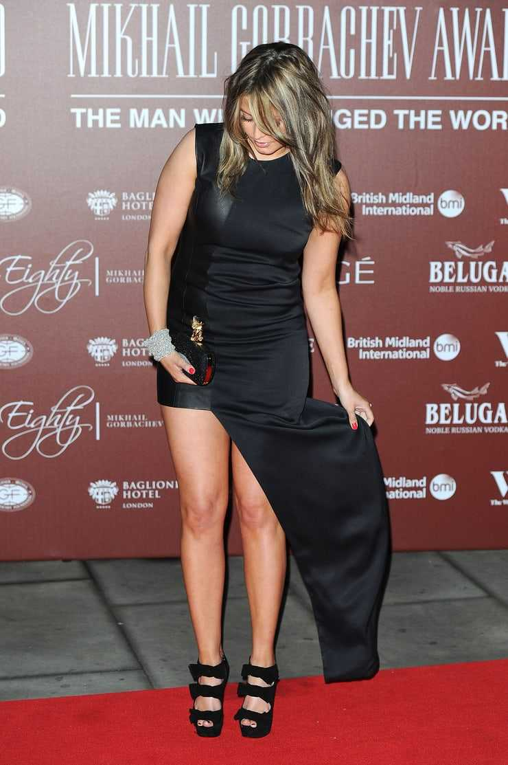 holly valance red carpet