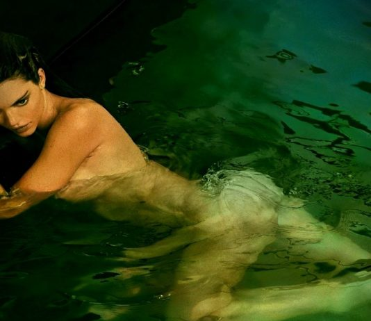 Kendall Jenner Poses Naked In Pool