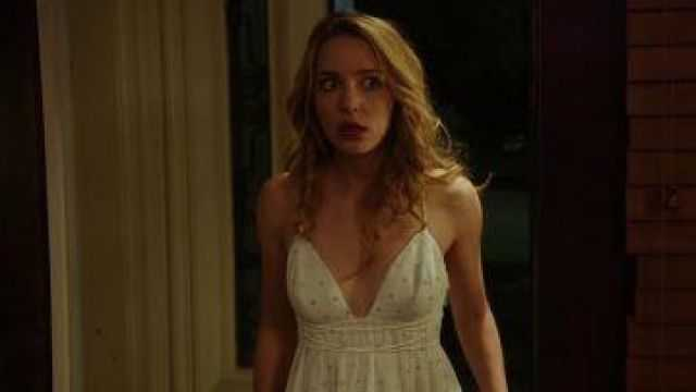 Jessica Rothe sexy boobs