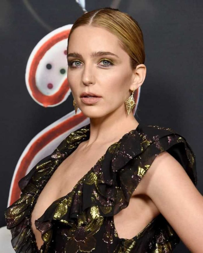 Jessica Rothe side boobs pics